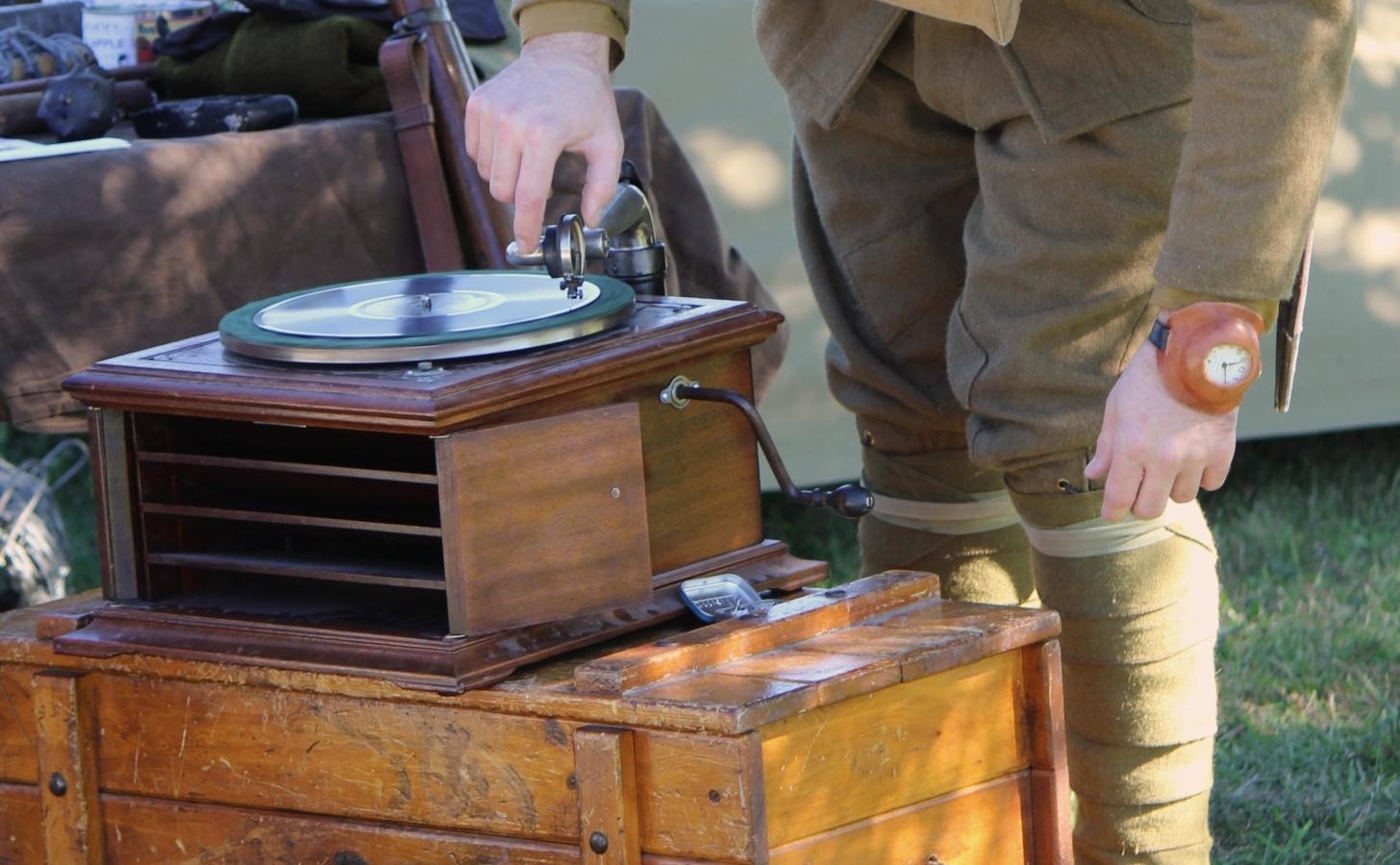 kurioser vintage Plattenspieler